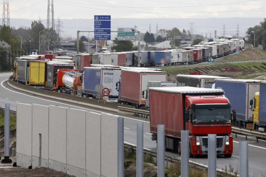 Construcción del muro de Calais