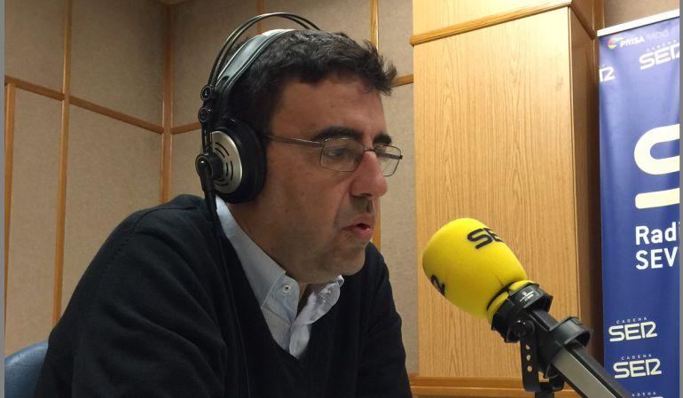 Mario Jiménez, portavoz de la gestora del PSOE en los estudios de Radio Sevilla.