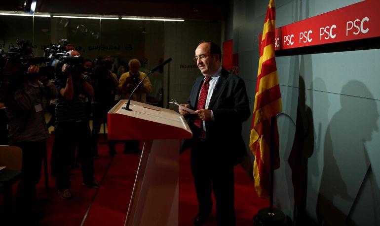 El líder del PSC, Miquel Iceta, durante una rueda de prensa en Barcelona