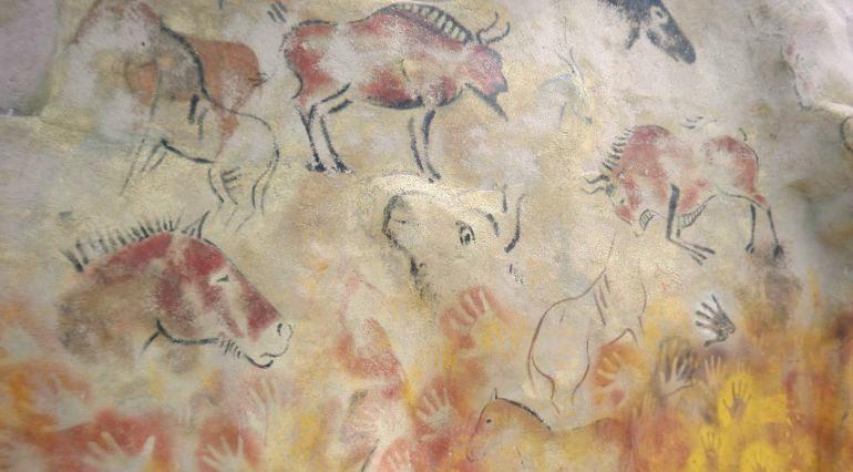 Detalle de una parte de las pinturas descubiertas en el yacimiento de Atapuerca.
