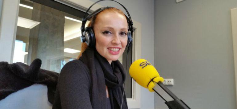 Cristina Castaño en los estudios de Radio Bilbao