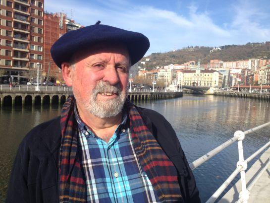 Kepa freire, junto la Ría de Bilbao.