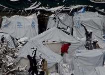 """""""Los refugiados están soportando temperaturas glaciales en tiendas"""""""