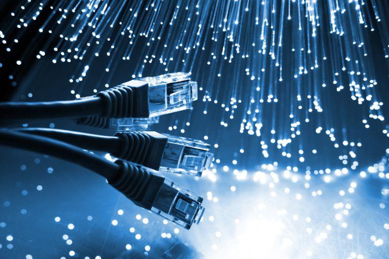 Consulta de oyente: Sin fibra porque una vecina se opone...