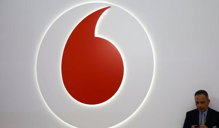 Vodafone sube precios en tarifas móviles y convergentes a cambio de más datos