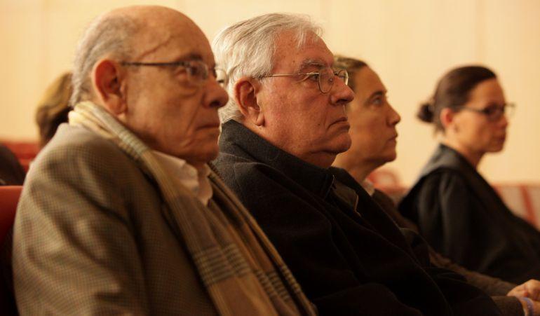 Jordi Montull, entre Fèlix Millet y Gemma Montull en el juicio por el caso Palau.