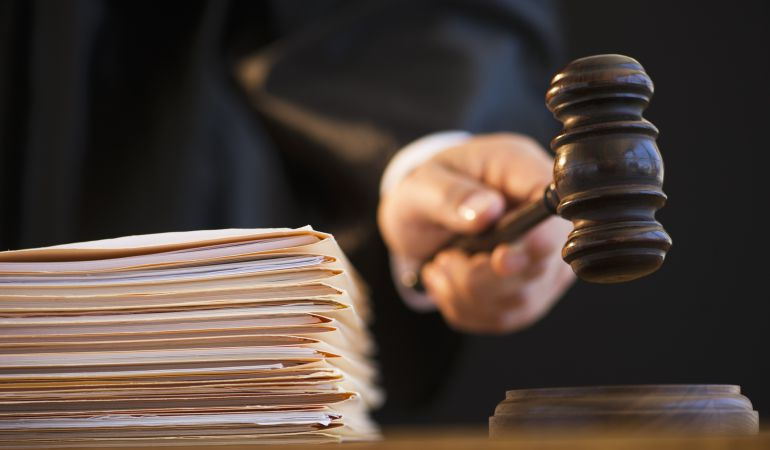 La cadena de juicios a tuiteros por ensalzamiento se cierra con penas de uno a dos años.
