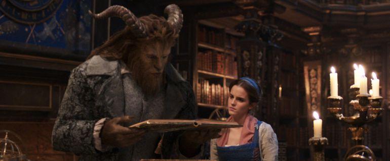 Fotograma de 'La bella y la bestia'.