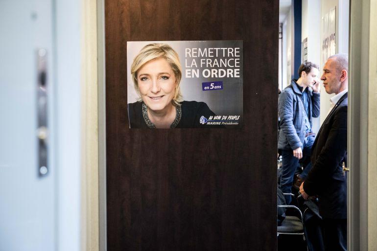 Cartel de la campaña de Marine Le Pen para las presidenciales en Francia