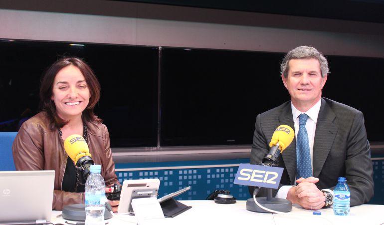 Pepa Bueno y el presidente de Gestamp, Francisco Riberas, justo antes de la entrevista