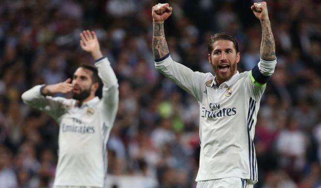 Carvajal y Sergio Ramos celebran su victoria ante el Bayern.
