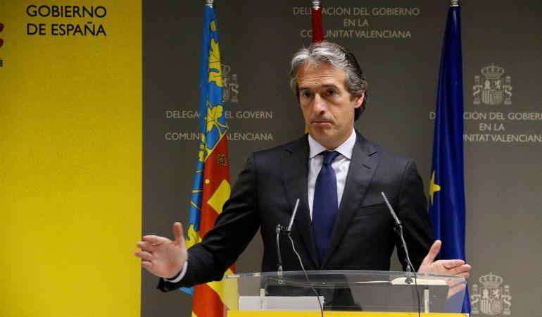 El ministro de Fomento, Iñigo de la Serna, en una comparecencia en la sede de la Delegación del Gobierno en la Comunitat Valenciana