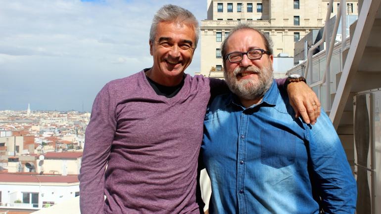 Carles Francino y Chesús Yuste en la terraza de la Cadena SER.