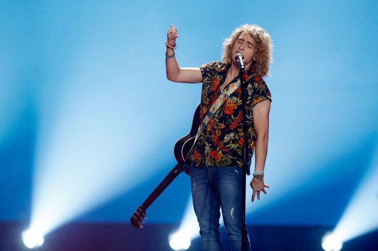 El camionero Cristobal Copón devuelve a sus casas a los cantantes de Eurovisión