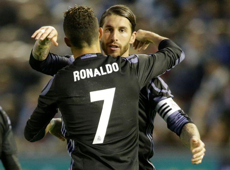 Ramos y Cristiano se abrazan en Vigo