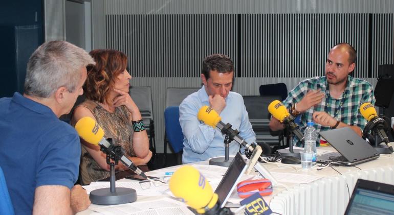 De izquierda a derecha, Carles Francino, Luz Sánchez-Mellado, Roberto Sánchez y Antonio Pampliega.