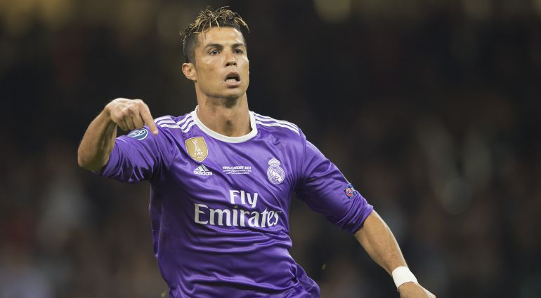 Cristiano Ronaldo celebra un gol en Cardiff