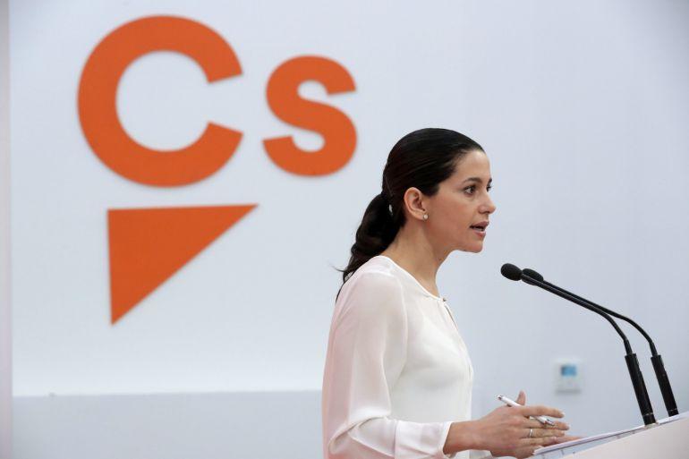 La portavoz nacional de Ciudadanos, Inés Arrimadas, durante la rueda de prensa posterior a la Ejecutiva Permanente del partido hoy en Madrid.