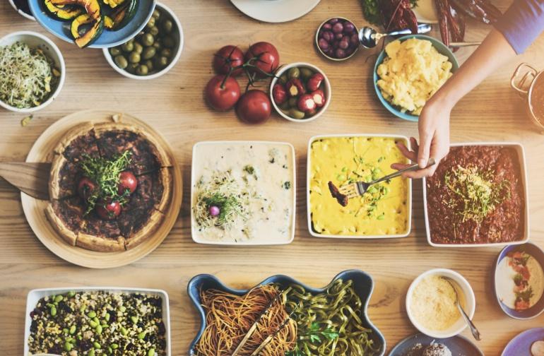 Cómo sobrevivir a un buffet libre