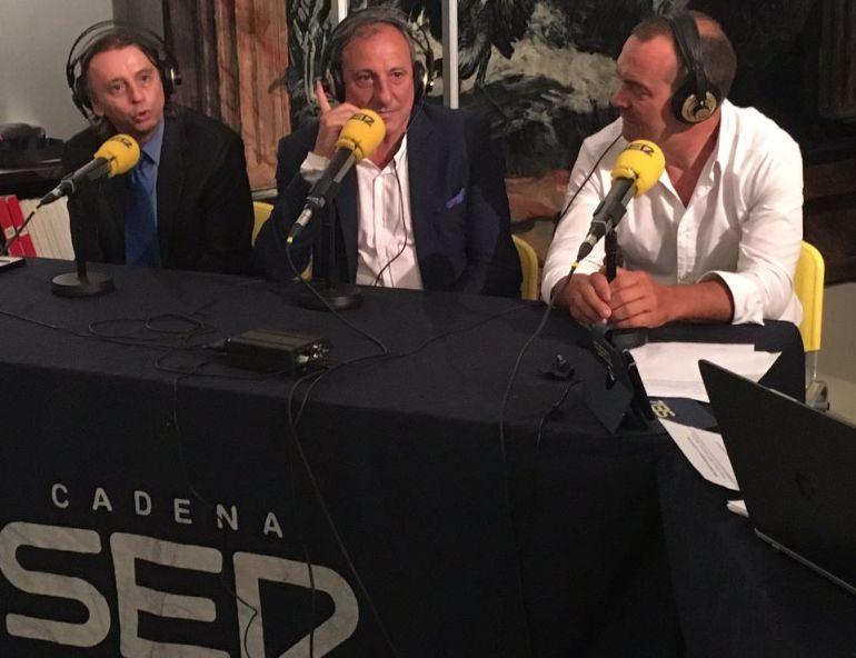 Fermín Cacho (centro) y José Manuel Moreno (derecha).
