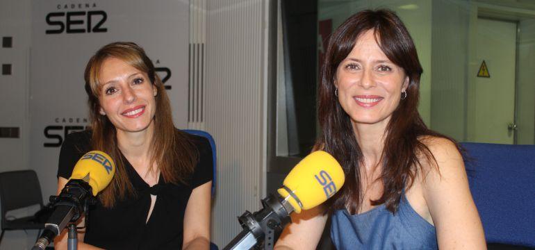 Aitana Sánchez-Gijón, junto a Macarena Berlín, en 'Hoy por hoy'.
