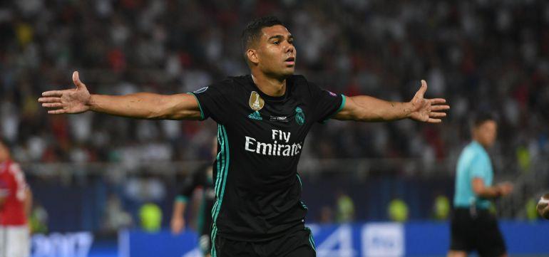 Casemiro celebra su gol en la Supercopa