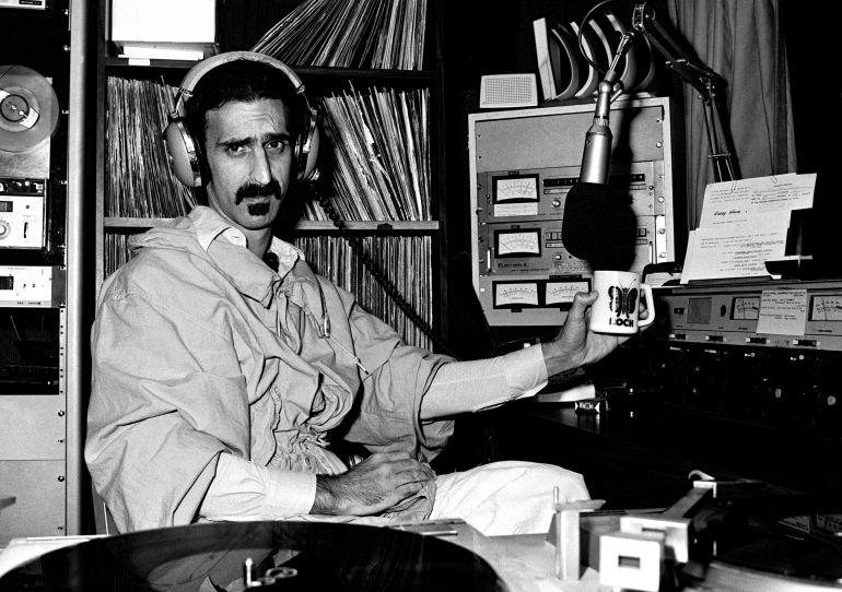 Frank Zappa ejerciendo como pinchadiscos en un radio de Atlanta en 1981