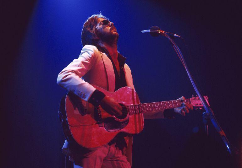 Eric Clapton durante una actuación en los años setenta