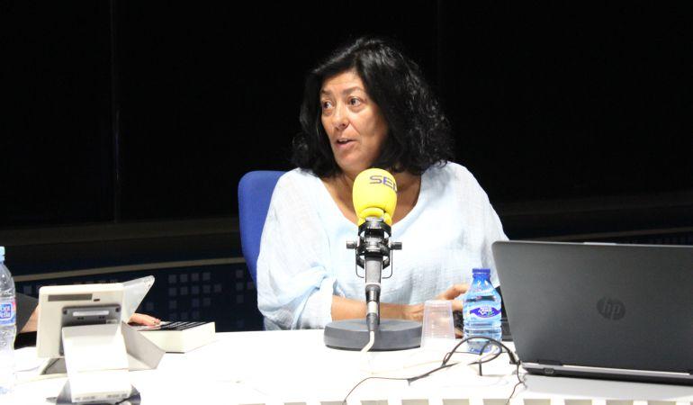 Almudena Grandes, en el estudio central de la Cadena SER