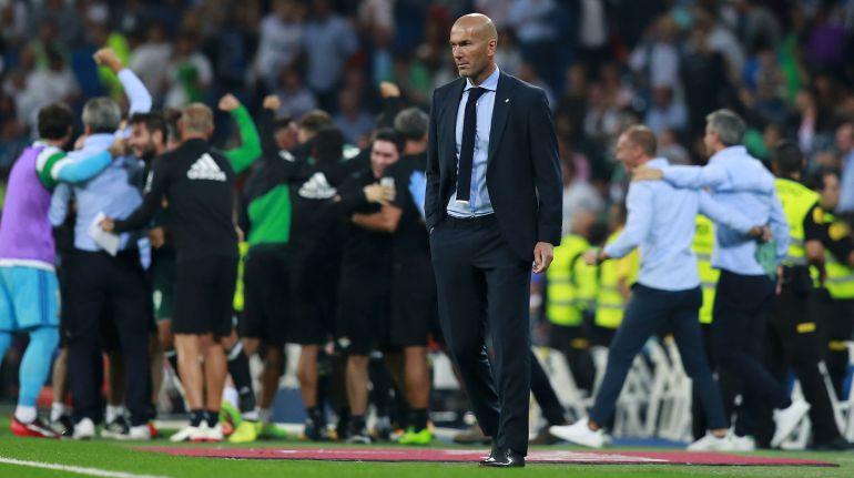 Zinedine Zidane durante el partido ante le Betis