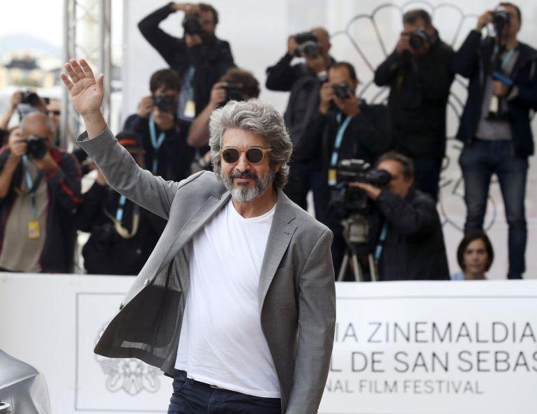 El actor argentino Ricardo Darín, a su llegada hoy al hotel que aloja a los invitados de la 65 edición del Festival Internacional de Cine de San Sebastián