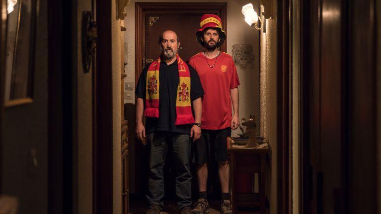 Fe de Etarras o la ridiculización de ETA: 'Fe de Etarras' atiza al nacionalismo español y al vasco