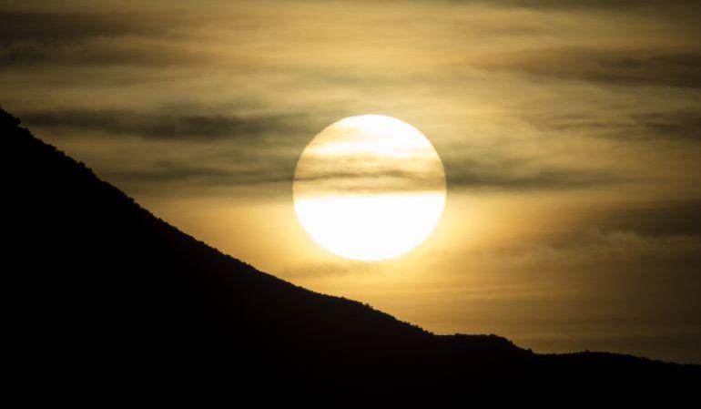 ¿Cómo influye la luna en el comportamiento y estado de ánimo de las personas?