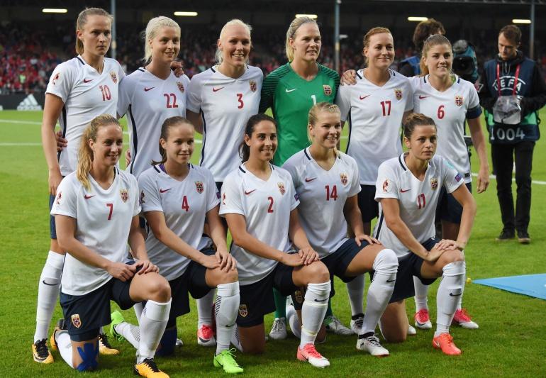 La Federación de fútbol noruego iguala el salario entre la selección femenina y masculina