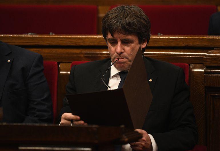 El President Puigdemont en el pleno del Parlament el pasado martes 10 de octubre