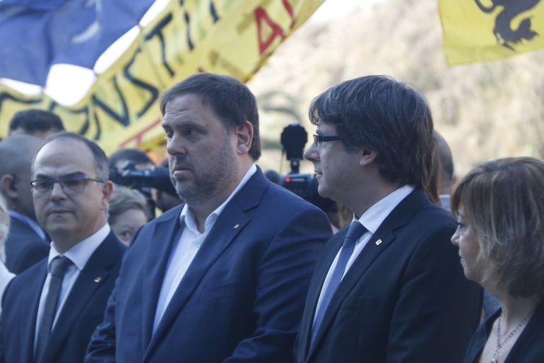 El vicepresidente del Govern, Oriol Junqueras, y el presidente, Carles Puigdemont en el acto de recuerdo a Lluis Companys.