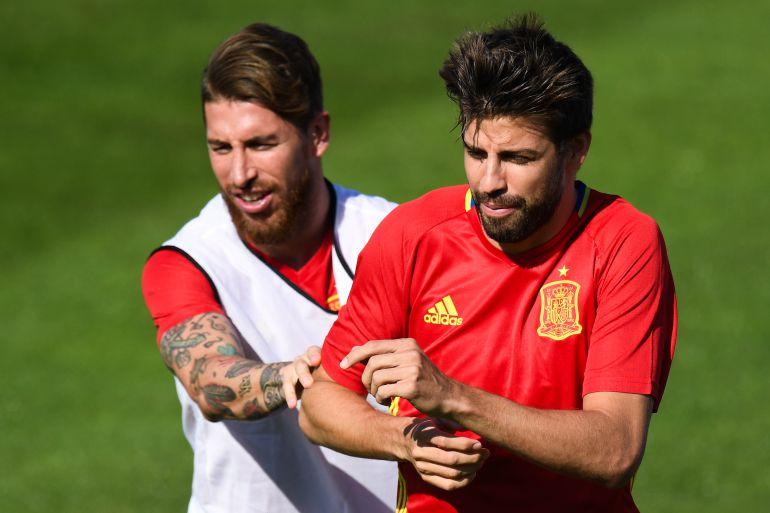 Ramos y Piqué, durante un entrenamiento