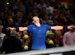 +++FOTO DÍA++ PARÍS (FRANCIA), 01/11/2017.- El tenista español Rafael Nadal celebra su victoria ante el coreano Hyeon Chung tras su encuentro en la segunda ronda del Masters 1000 de París que se disputa en París (Francia) hoy, 1 de noviembre del 2017. EFE/CHRISTOPHE PETIT TESSON