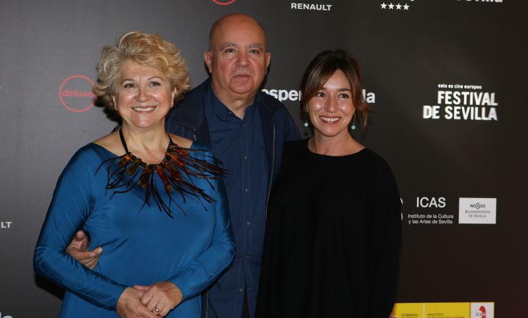 Esther Carcia, Agustin Almodovar y Lola Dueñas, en el Festival de Cine de Sevilla.