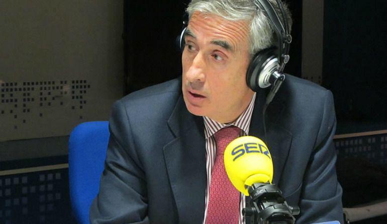 Ramón Jaúregui, en los micrófonos de la SER.