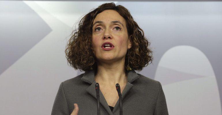 Meritxell Batet en una comparecencia en la sede del PSOE