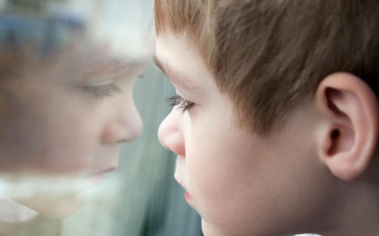 "La ""experiencia transformadora"" de acompañar a un niño con Asperger"