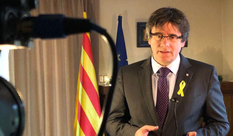 Pla mig Carles Puigdemont durant el discurs de Cap d'Any del 30 de desembre del 2017. (Horitzontal)