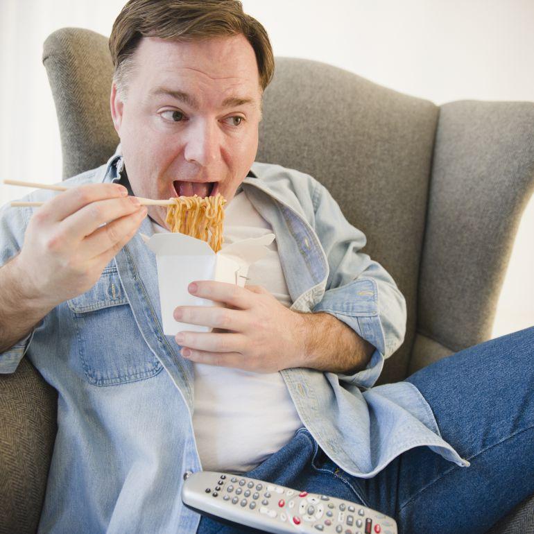 Recibe 68 pedidos de comida china de golpe porque se le colgó el ordenador haciendo la comanda