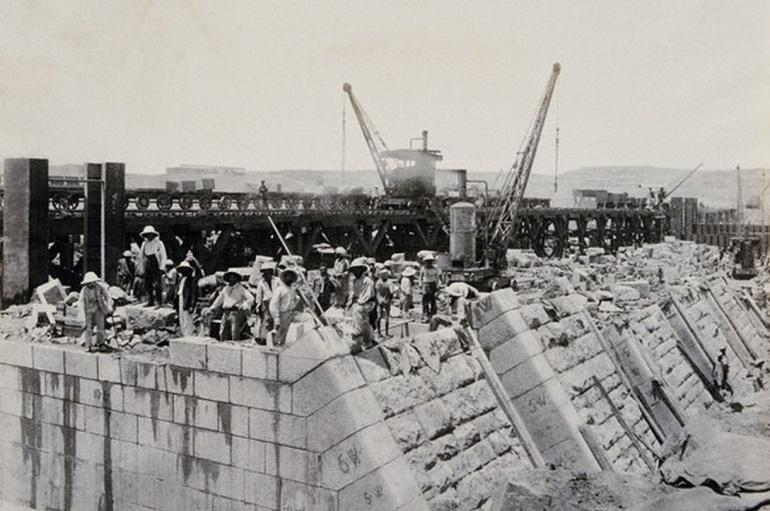 Construcción de la presa de Asuán, en Egipto