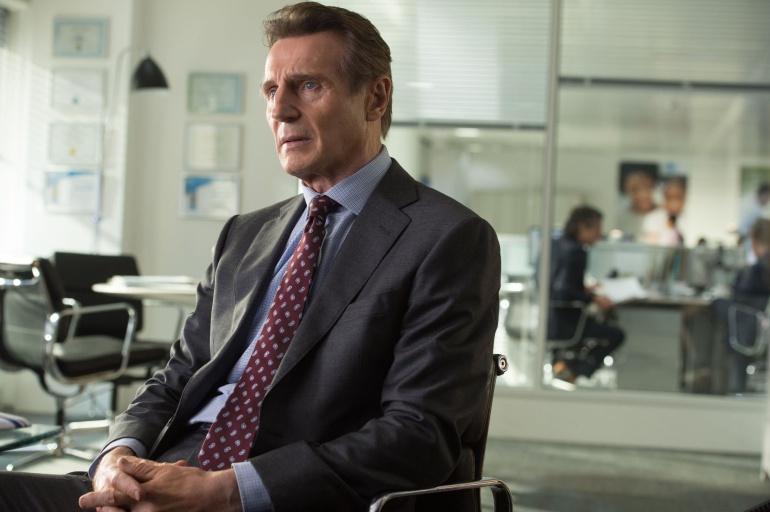 Liam Neeson durante una escena del thriller 'The Commuter'