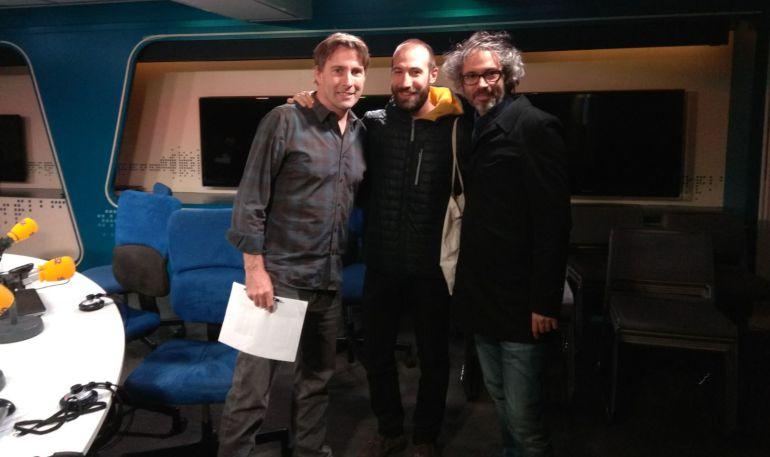 Javier del Pino, Pablo Moreno y James Rhodes, en el estudio de la Cadena SER.