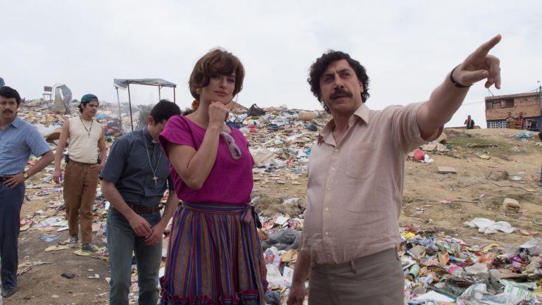 Javier Bardem i Penélope Cruz a 'Loving Pablo' (horitzontal).