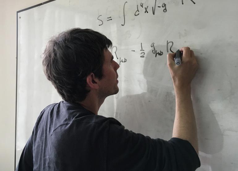 Justo Javier Lopez Sarrión, el Stephen Hawking albaceteño