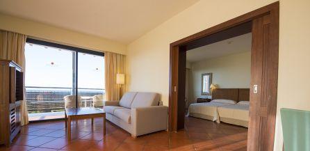 Puerto Antilla Grand Hotel, cuatro estrellas de luz en Islantilla